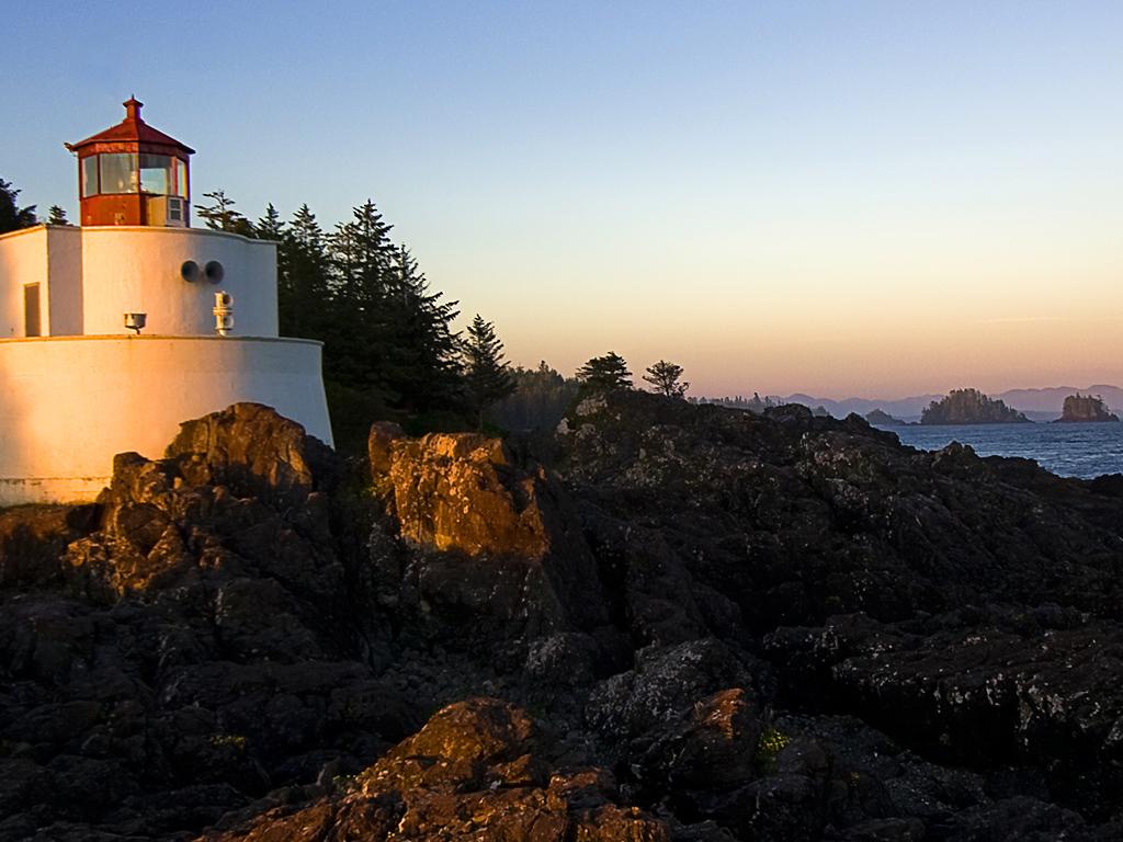 627114755-Lighthouse