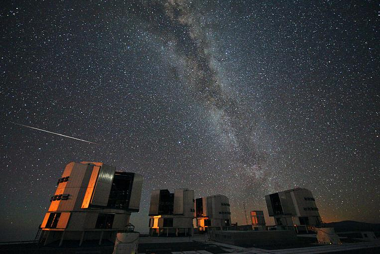 Ilustracja Astronomia: kiedy zobaczymy deszcz meteorytów / spadające gwiazdy / Perseidy w 2012? - Polishwords News